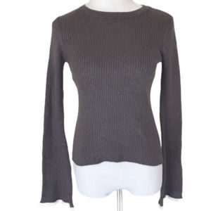 Aéropostale Grey Ribbed Sweater w/ Fluted Sleeves